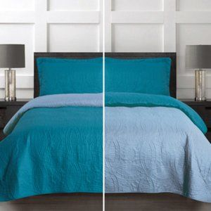 Reversible 3pc quilt set Cal king turquoise